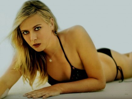 Maria Sharapova wallpaper containing a bikini and skin entitled masha hotie
