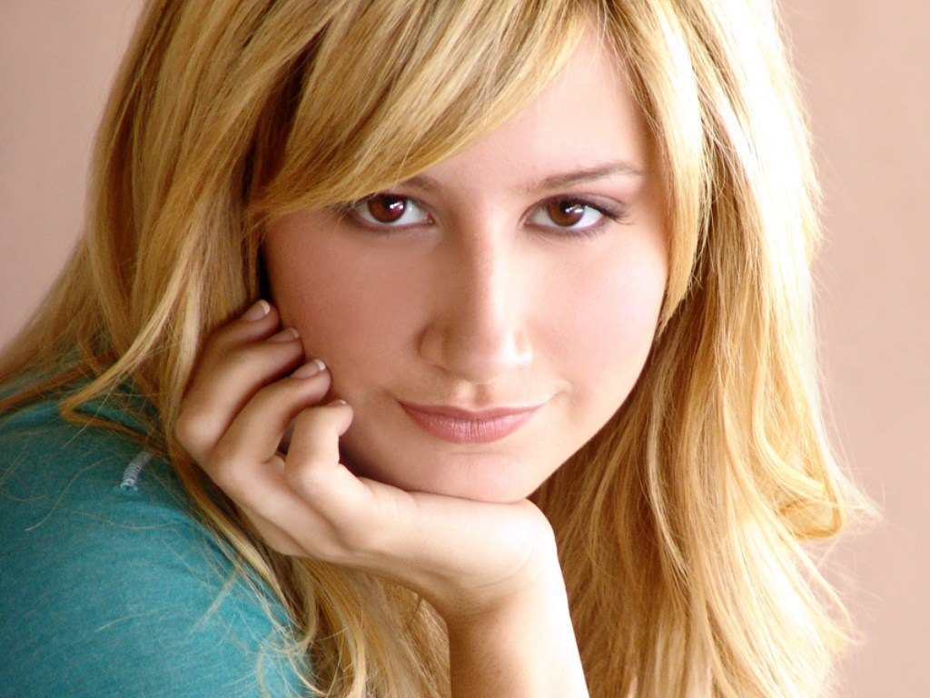 ashley tisdale 4 wallpapers - photo #45