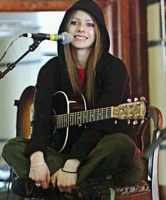 Avril_cool