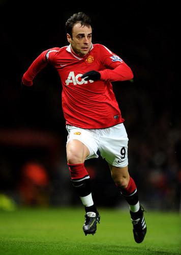 D. Berbatov (Manchester United - Aston Villa)