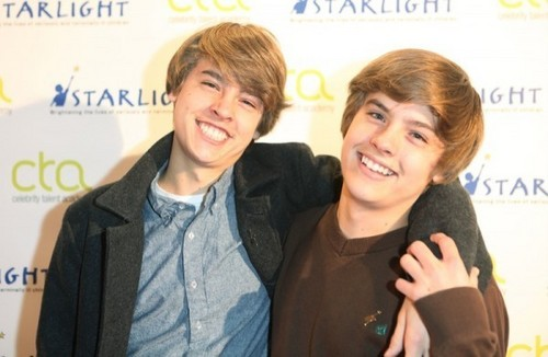 Dylan Sprouse and Cole Sprouse at the Celebrity Talent Academy Workshop in Londra