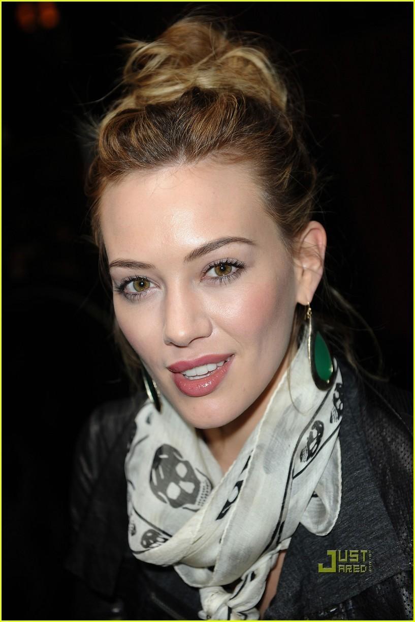 2011 Hilary Duff pics