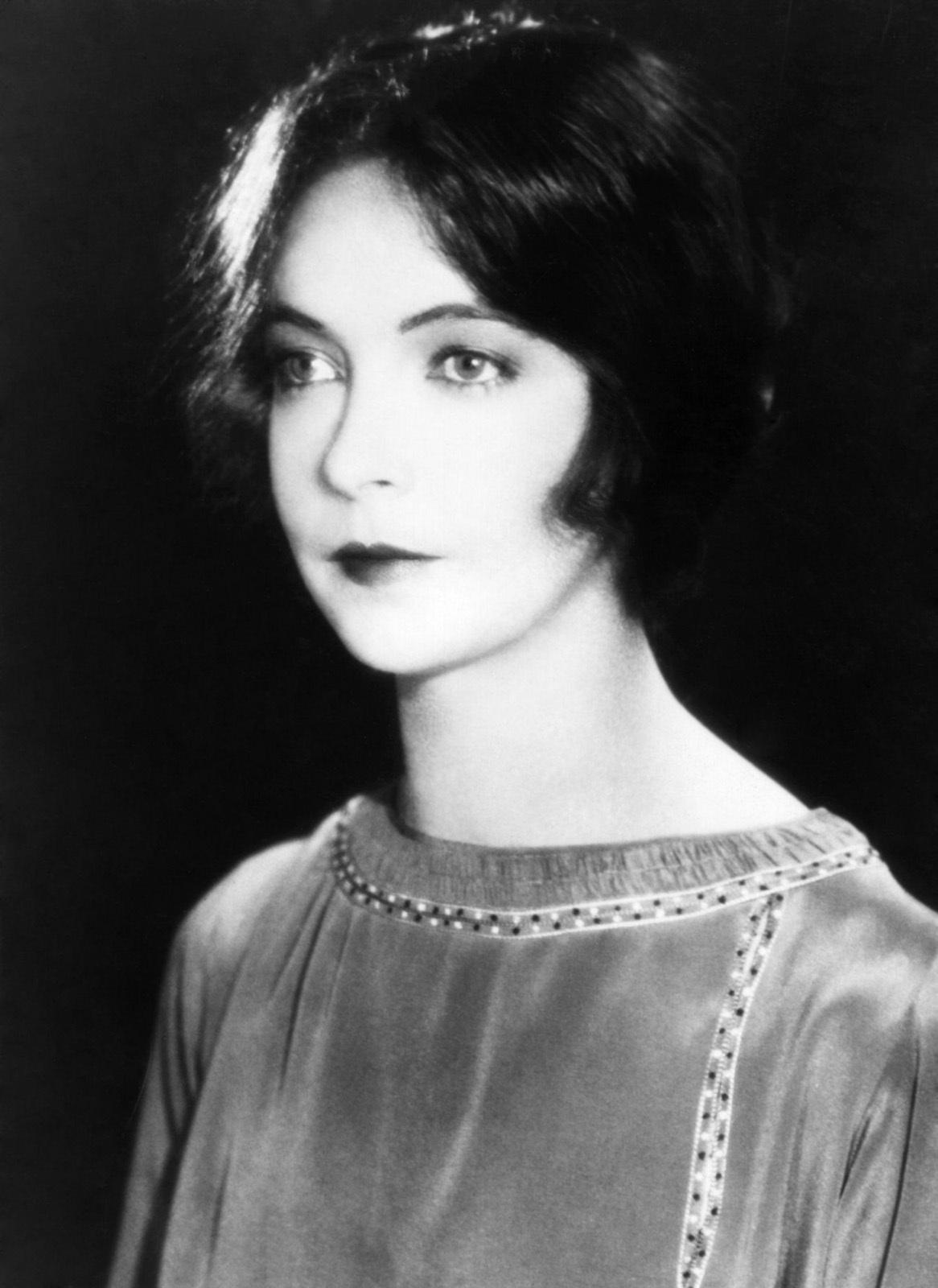 Lillian Gish Net Worth