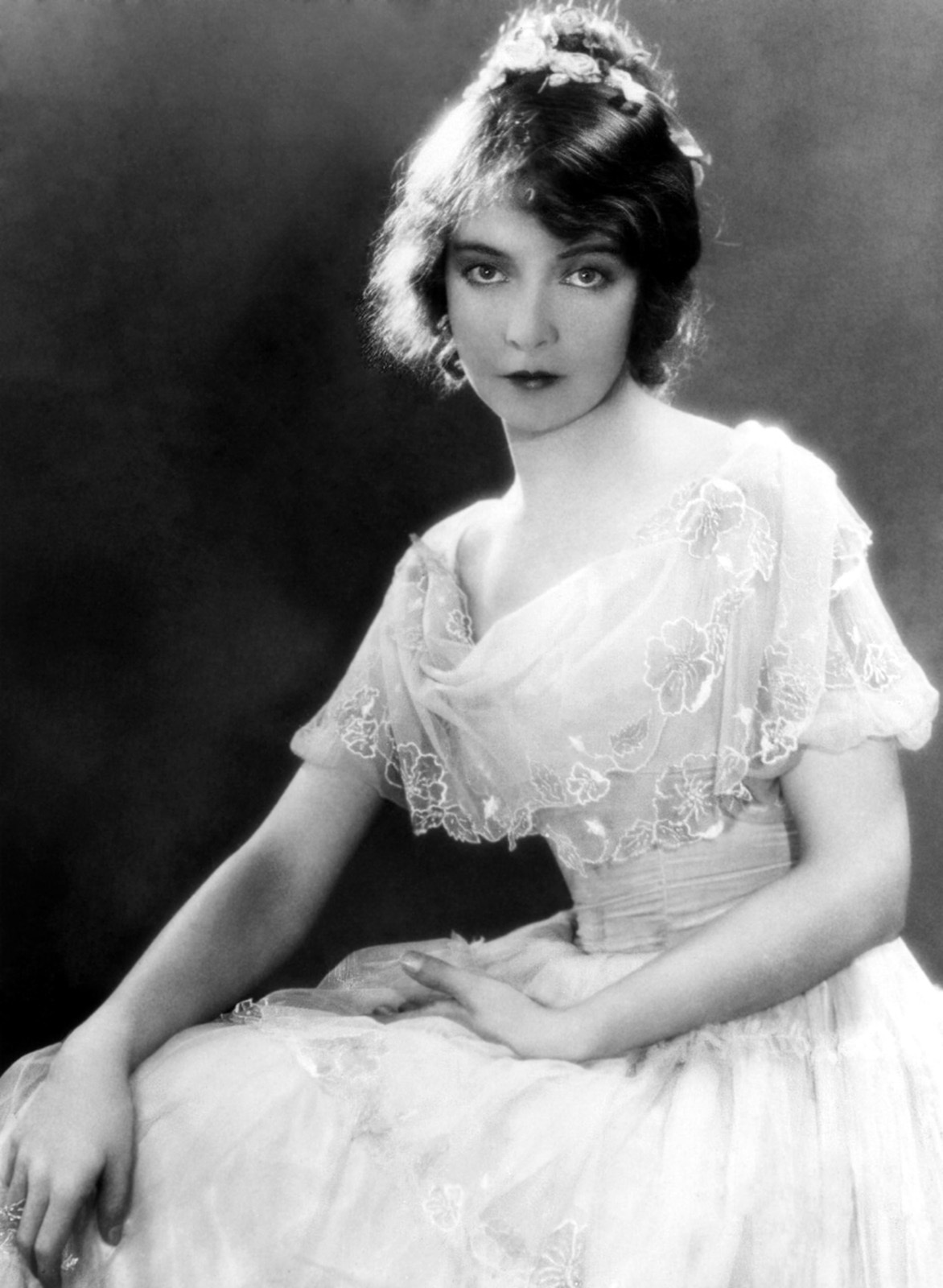 Lillian Gish Images Lillian Hd Wallpaper And Background