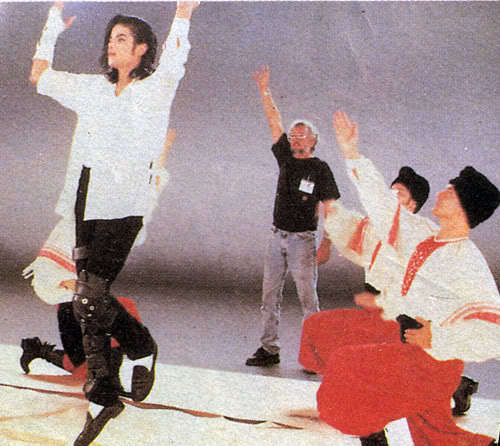 MJ - Black или White