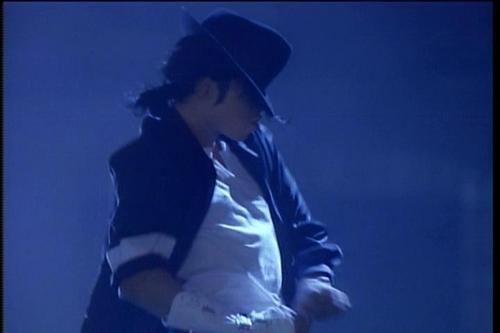 MJ - Black 또는 White