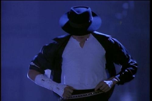 MJ - Black atau White