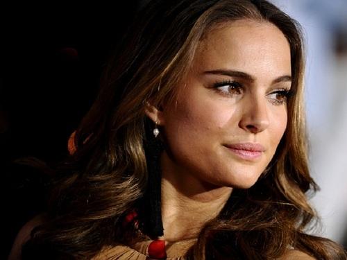 Natalie Portman karatasi la kupamba ukuta