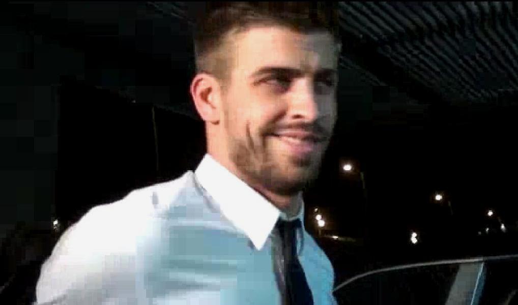 gerard pique 2011. Piqué seductive smile 2011