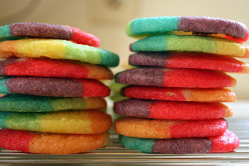 http://images4.fanpop.com/image/photos/18900000/Rainbow-Cookies-bright-colors-18926541-500-334.jpg