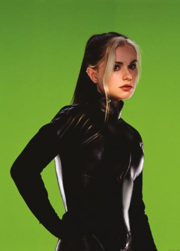 X-men THE MOVIE wallpaper containing a well dressed person titled Rogue