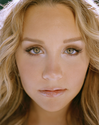 Amanda Bynes wallpaper with a portrait entitled Uknown Photoshoot