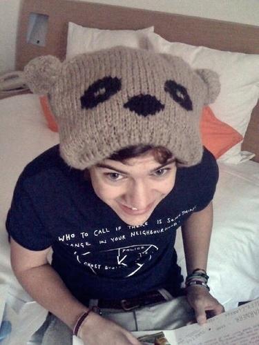 aww! cute hat!!!!