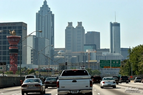 Atlanta fondo de pantalla containing a business district, a skyscraper, and a calzada titled Atlanta, GA Skyline