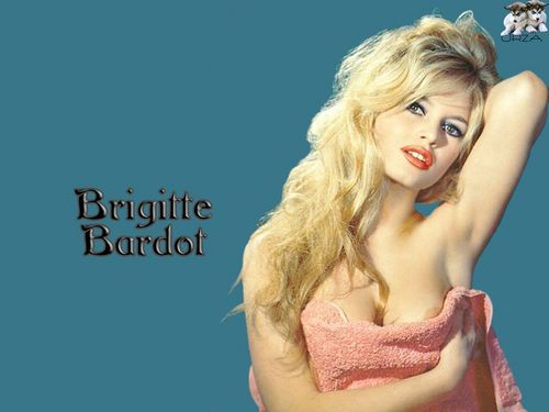 Brigitte Bardot karatasi la kupamba ukuta probably containing attractiveness, a portrait, and skin titled Beautiful BB kwa Gia