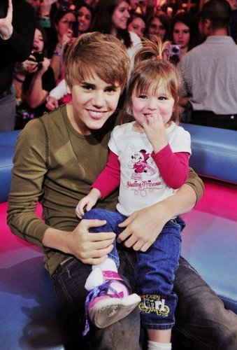 Jazmyn Bieber wallpaper titled Jazzy and Justin