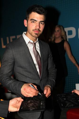 Joe 2011