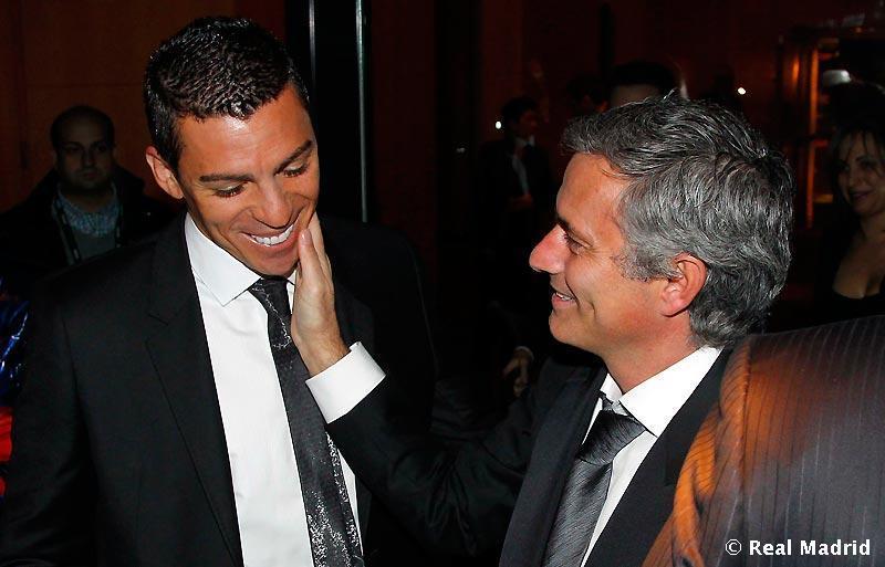Jose-Mourinho-The-Special-One-jose-mourinho-19029553-800-513 jpgJose Mourinho The Special One