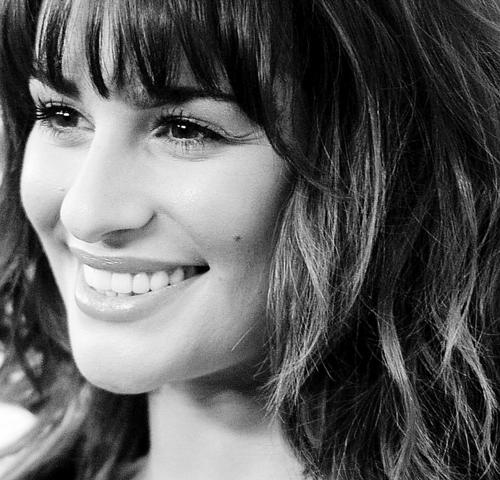 Lea Michele fondo de pantalla containing a portrait entitled Lea