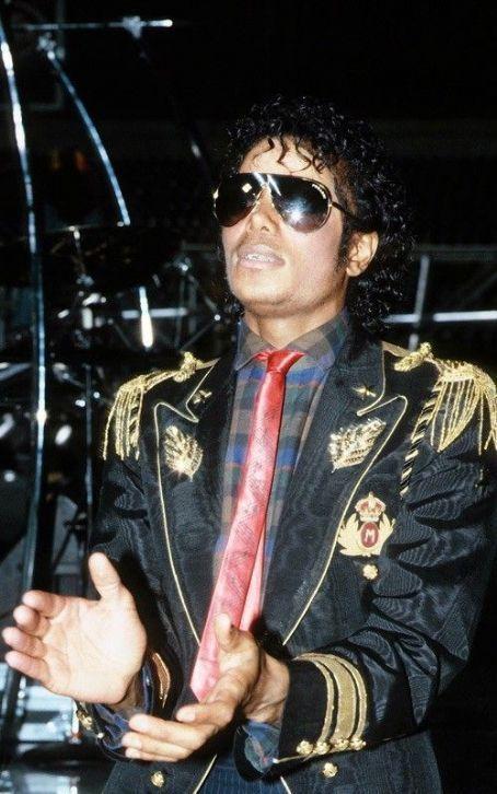 Era Thriller MJ-the-thriller-era-19068476-454-726
