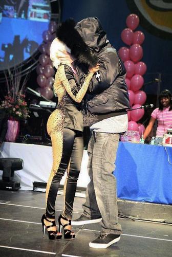 Nicki & patong lalaki