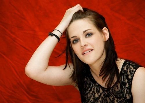 Old/New Portraits Kristen Stewart #ECLIPSE Press Conference