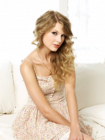 Anichu90 wallpaper possibly containing skin and a portrait titled Taylor Swift - Photoshoot #118: US Weekly (2010)
