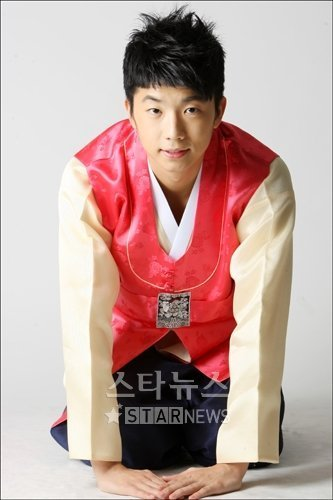 http://images4.fanpop.com/image/photos/19000000/The-Best-of-Wooyoung-jang-wooyoung-19075891-333-500.jpg