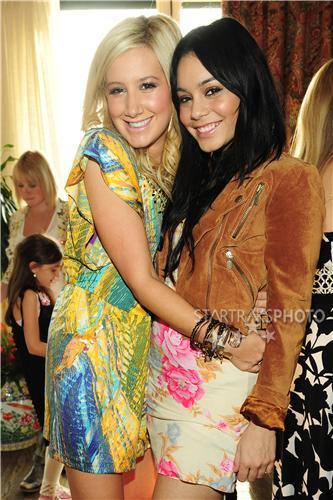 Vanessa Hudgens & Ashley Tisdale images Vanessa&Ashely Photo ❤ wallpaper and background photos