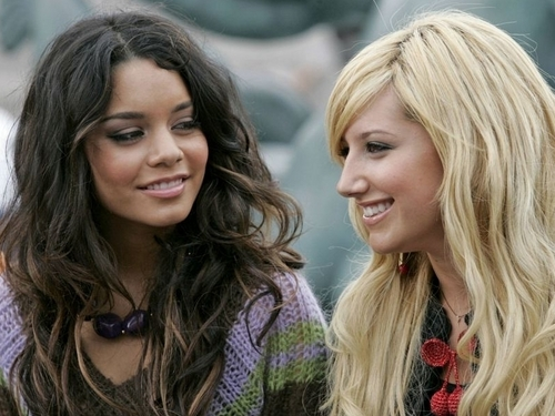 Vanessa&Ashely karatasi la kupamba ukuta ❤