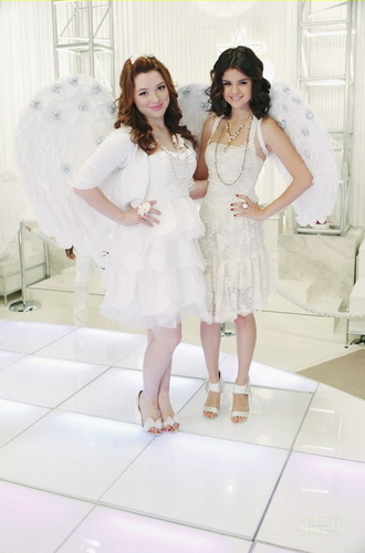 Wizards Of Waverly Place - Season 4 - Promotional Stills 'Dancing With Angels'