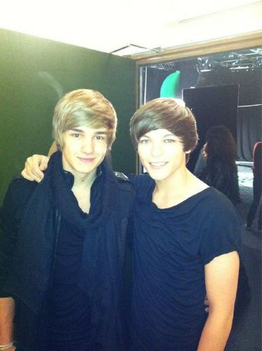 One Direction achtergrond possibly containing an outerwear, a leisure wear, and a box jas entitled louis' new haircut!!