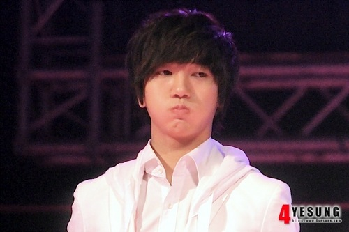12 Plus Miracle dia - Yesung