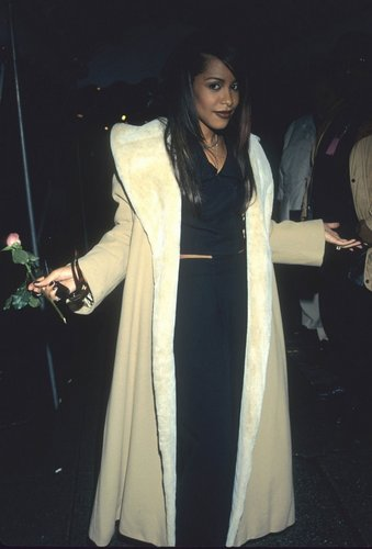 "aaliyah @ 1997 ""A Gift of Song: música for UNICEF"" concierto"