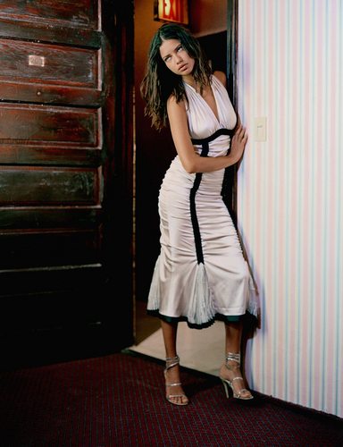 Adriana Lima پیپر وال probably with a کاک, کاکٹیل dress, a dress, and a لباس, پوشاک called Adriana [Elle Italy 2003]