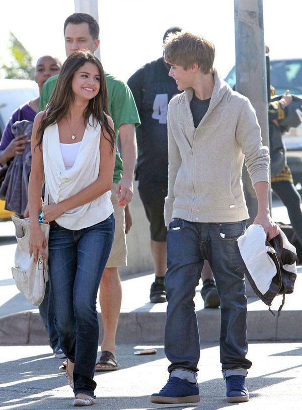 selena gomez and justin bieber 2011. February 6 - With Justin
