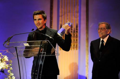 Juanes AMEE Awards