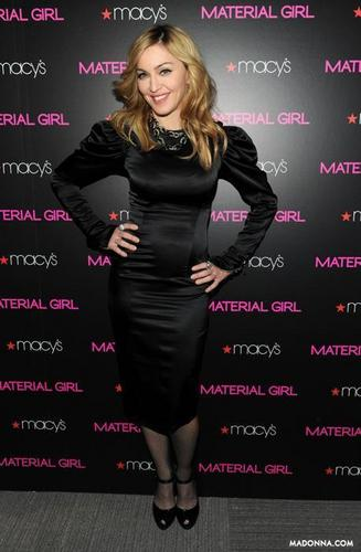 """Madonna 2010 mga litrato from the """"Material Girl Collection"""""""