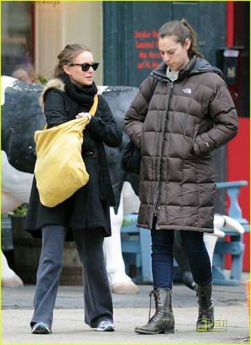 Natalie Portman: Oscar Dress Will Leave Room to Grow