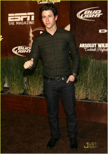 Nick Jonas: ESPN & Audi Super Bowl Parties(04-02-2011)!