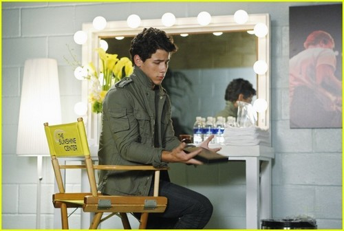 Nick Jonas: 'Mr. Sunshine' Sneak Peek Pics!