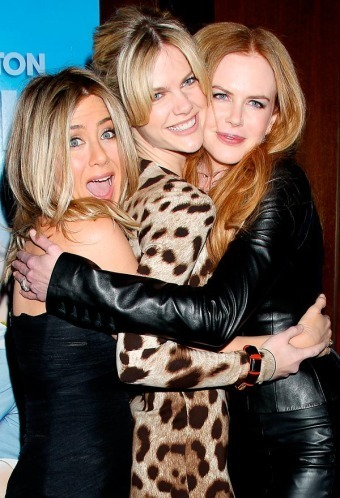 Nicole and Jennifer Aniston and Brooklyn Decker at Just Go With It premiere in New York