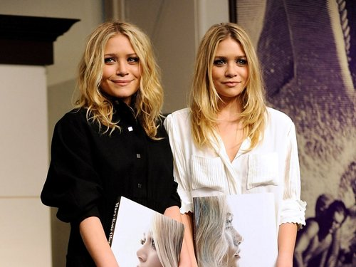 Mary-Kate & Ashley Olsen wallpaper with a well dressed person and a portrait called Olsen Wallpaper ღ