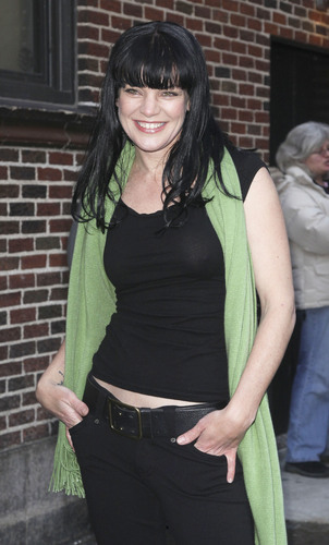 Pauley Perrette - Outside The late Zeigen with David Letterman