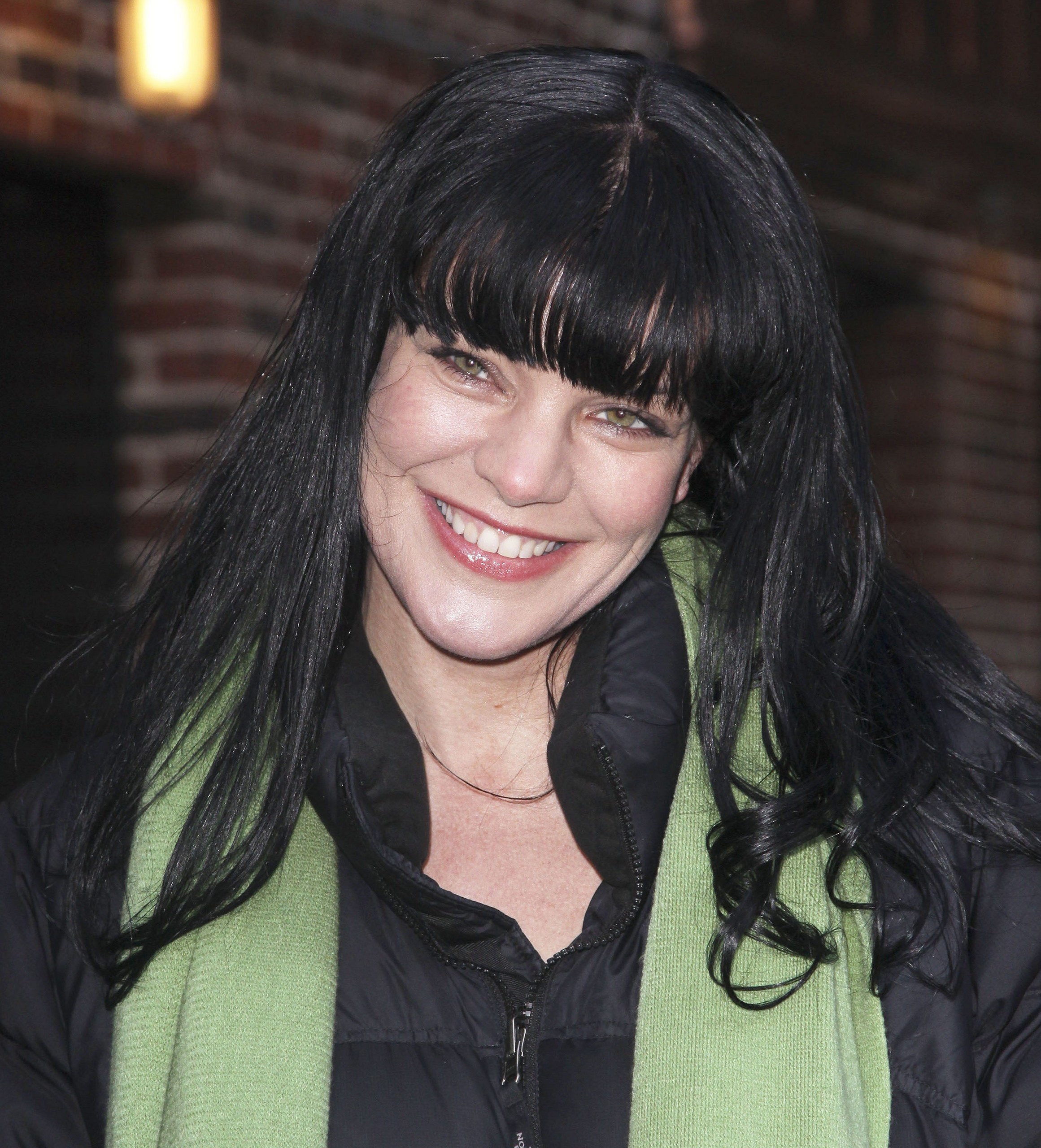 Pauley Perrette - Outside The late tunjuk with David Letterman