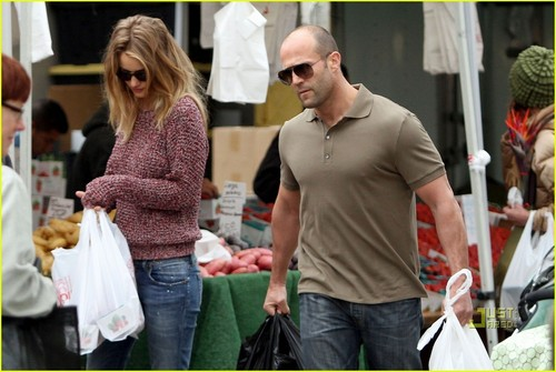 Rosie Huntington-Whiteley: Farmers Market with Jason Statham!