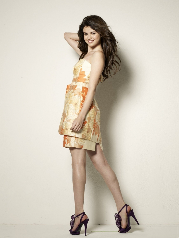 Selena Gomez photoshoot (HQ) - selena-gomez photo