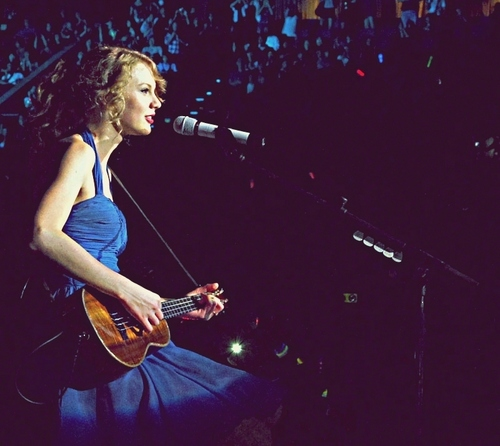 Taylor Swift , Singapore