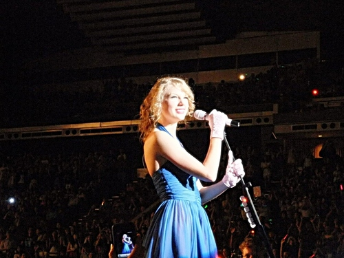 Taylor cepat, swift , Singapore
