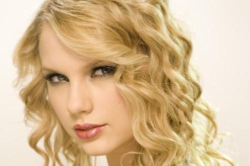 Taylor быстрый, стремительный, свифт photoshot (HQ)